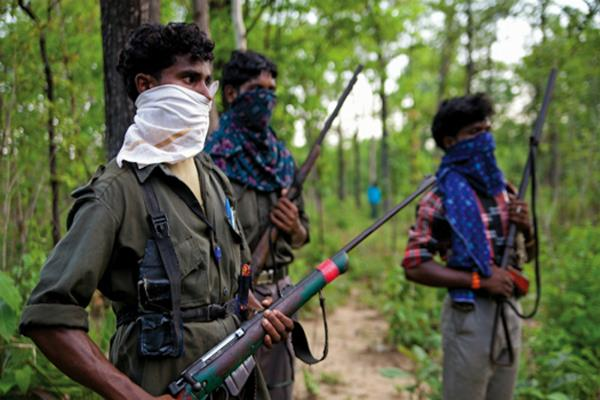 naxalites warning to villagers  not take benefits of government homes