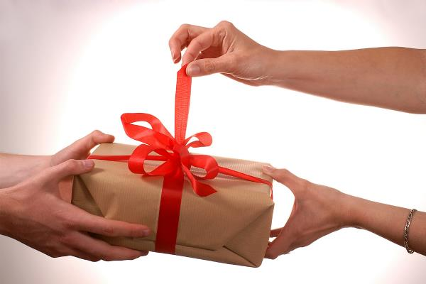 know about lucky and unlucky gifts