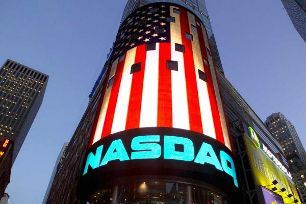 us market closed with sluggish  nasdaq slight margin