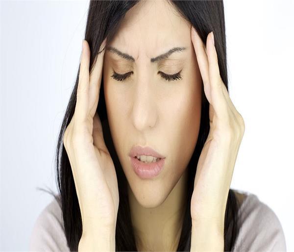 सिरदर्द को नजरअंदाज करने से हो सकती है ये 8 प्रॉबल्म