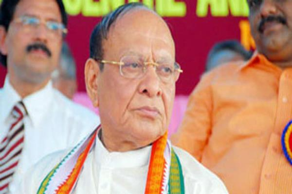 shah meets congress leader vaghela