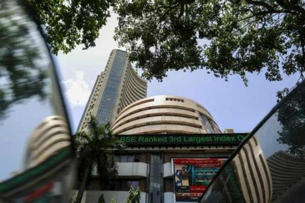sensex falls 98 points to end at 28815 5