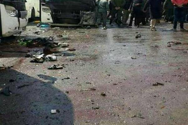 twin bombing kills at least 40 in damascus old city