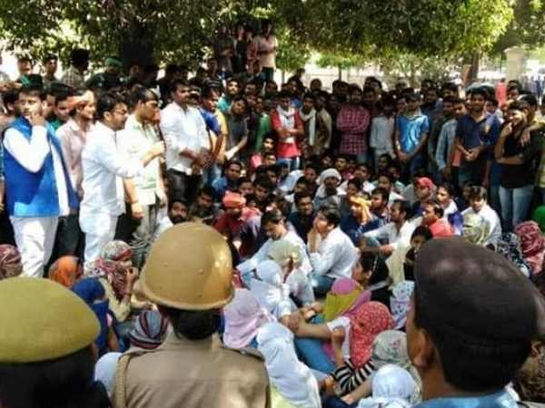 allahabad order to remove illegal students from hostel hungama called force