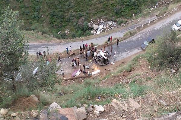 4 killed  5 injured in doda road accident
