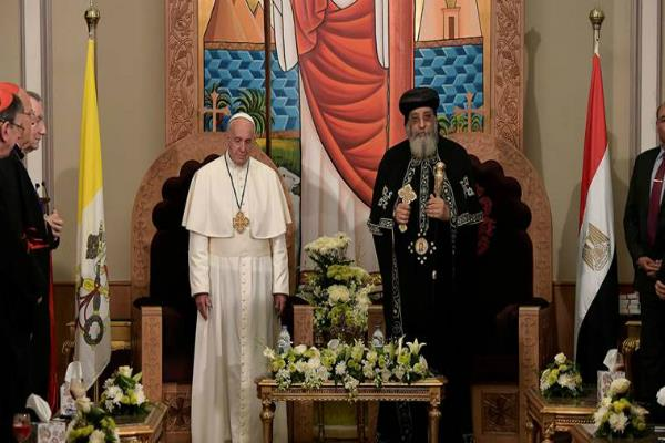 pope francis set to pray with egypt christians