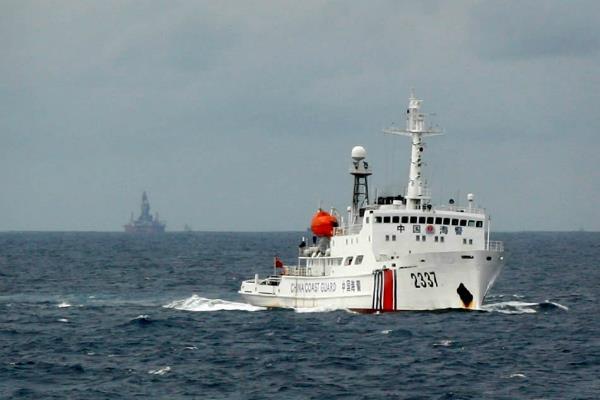 philippine fishermen accuse china of firing on vessel