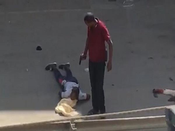 cops caught on camera killing suspected eastleigh gang members