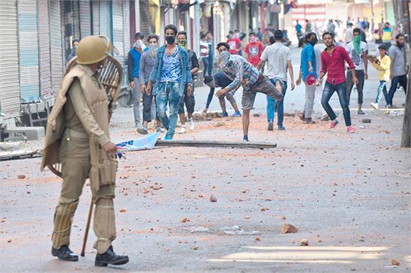 bjp pdp leaders meet to discuss kashmir unrest