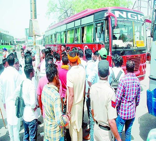roadways and private bus operators face to face