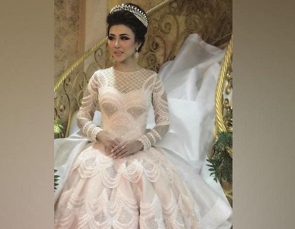 indonesian bride wedding gown sparks social media