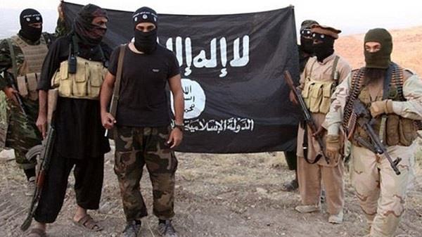terrorist cut head of  17 common iraqis