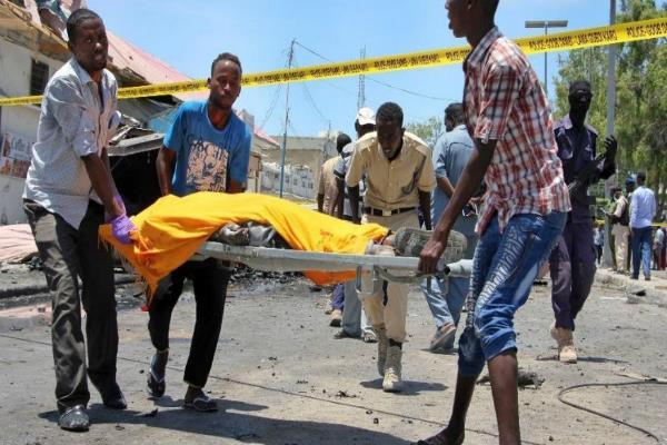 car bomb blast hits mogadishu 7 dead