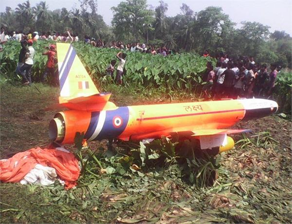 odisha  indian air force plane crashed in chandamani village