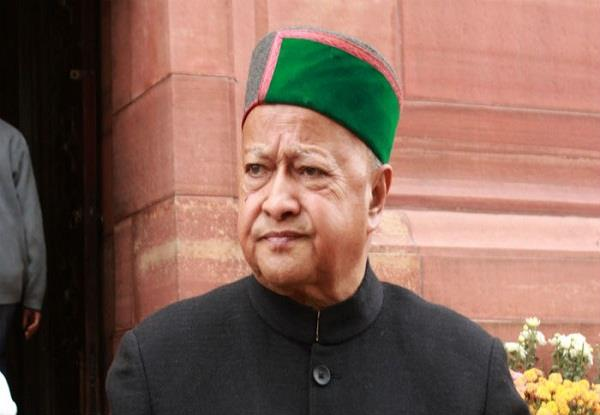 cm virbhadra in sonia  s court  30 minutes of discussion round