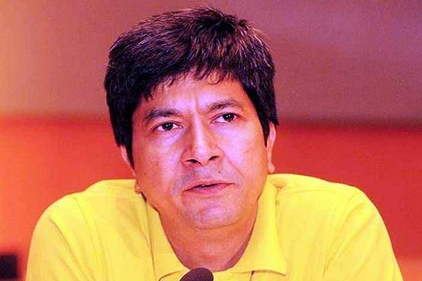 info restrains former cfo rajiv bansal from rs 12 crores dues