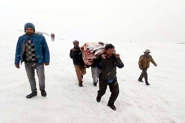 snow defeat in front of their courage  saved one life on walking foot on 3km