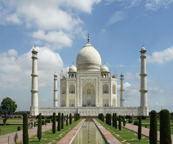 wah taj  the world  s top 10 top sights include the symbol of love