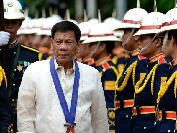 duterte says  soldiers can rape with 3 women