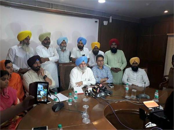 aap has demanded rs 3 crore for all its legislators
