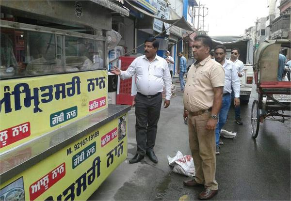 municipal warnings to shopkeepers encroachment