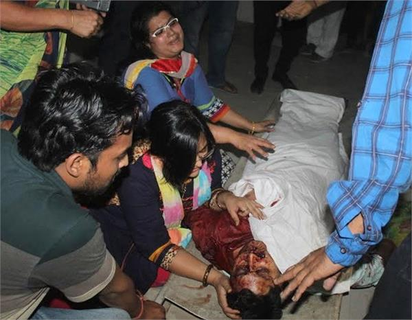 2 murder in mathura 40 million loot jewelery shop yogi orders probe