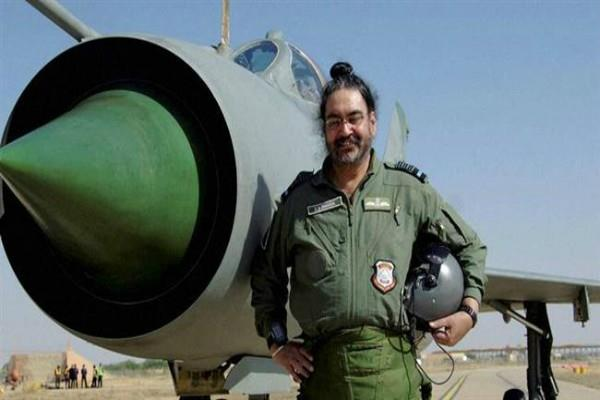 iaf chief honored the kargil martyr in a unique style