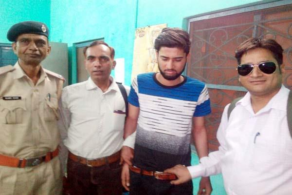engineer  s home stealer main accused arrested from shimla