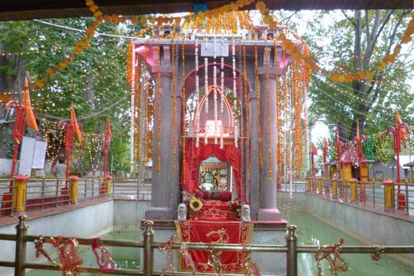 suspicious box found in kheer bhawani temple