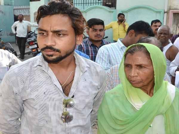 chandrashekhar mother and brother underground