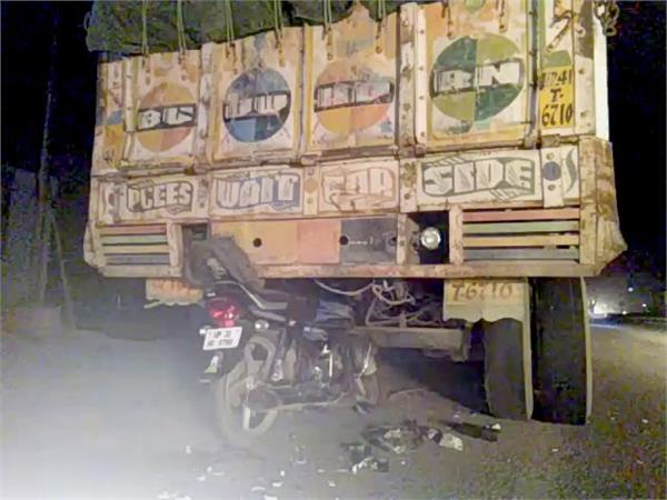 speeding bike 2 killed in stand truck
