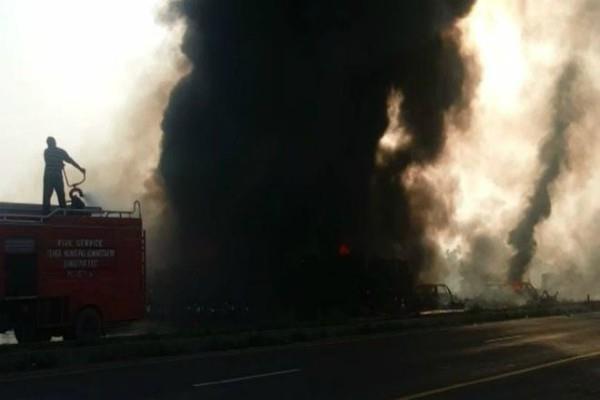 140 killed dozens injured as oil tanker explodes in pakistan bahawalpur