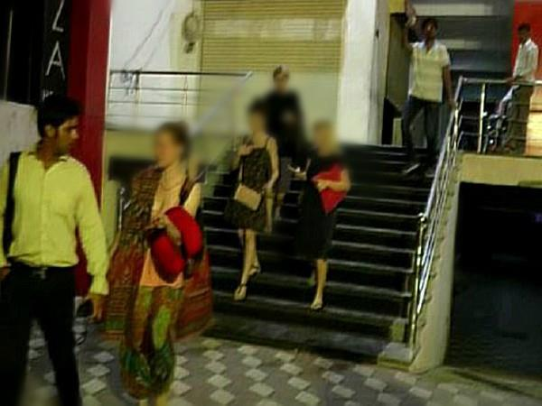 police fired at rangoli rev party 5 foreign girls caught in the hotel