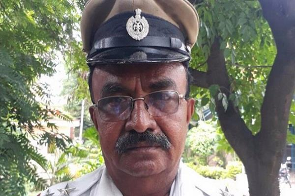 ml nijalingappa  pranab mukherjee  ambulance