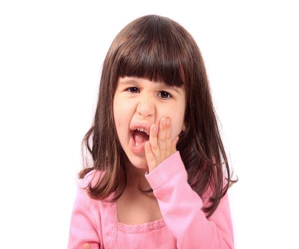 दांत के कीड़ों से बच्चों को तुरंत आराम पहुंचाएंगे ये उपाय