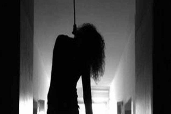 the body was hanged on the tree after killing her husband