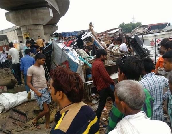 uncontrolled truck fell down below the flyover 1 killed 3 injured