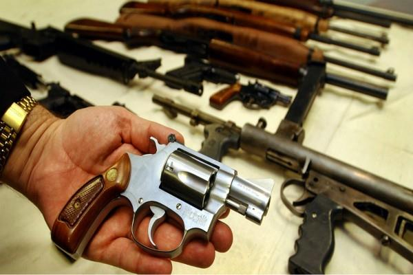 australia asked to people return illegal weapons without any penalty