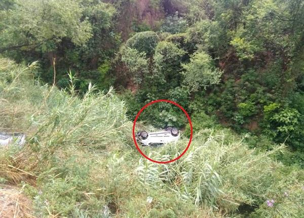 bjp state president satti nephew with accident ditch car