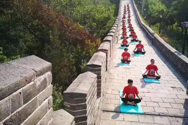 china celebrates international yoga day on great wall of china