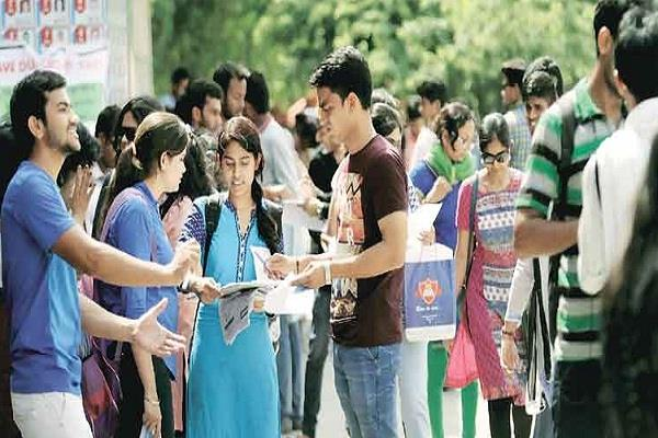 isb students get 1113 jobs with an average salary of 22 lakh rupees