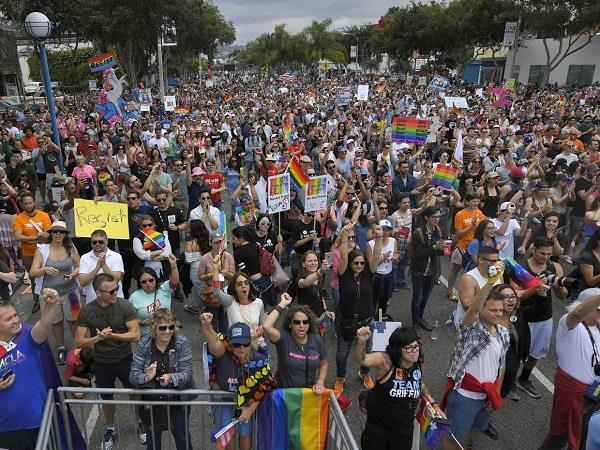 protest against lgbt pride parade in usa