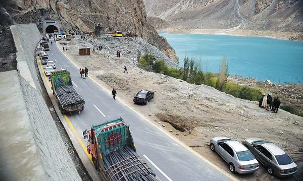 over dependence on cpec will put pak s economy at risk warns imf