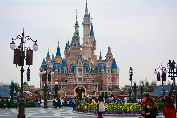 walt disney shanghai park watched by 1 1 million people