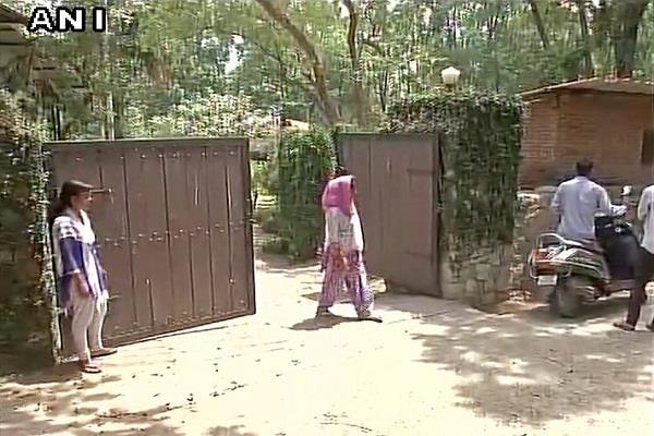 cbi raid on doon mussoorie property in roy