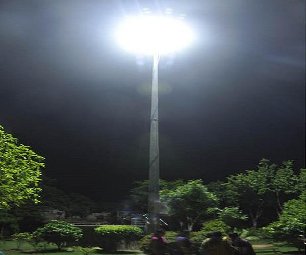 led lights in town park will be lit and extinguished by chandigarh