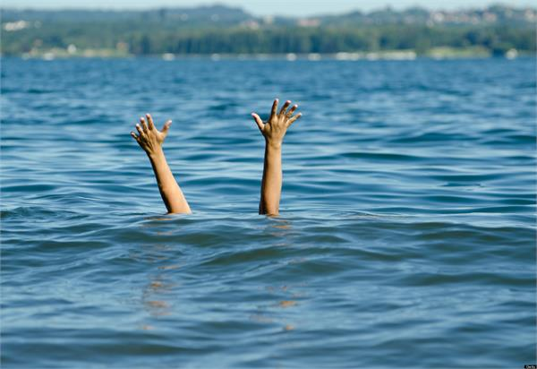 floods in up 6 children drowning in water 2 death
