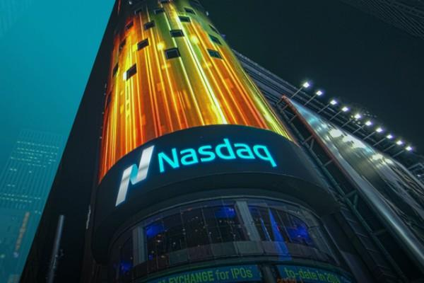 nasdaq at rong  s record highs in the us market