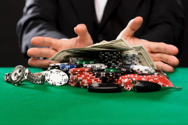 2 young man arrested in gambling case