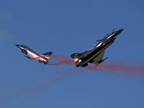 chinese fighter jets intercept american naval plane